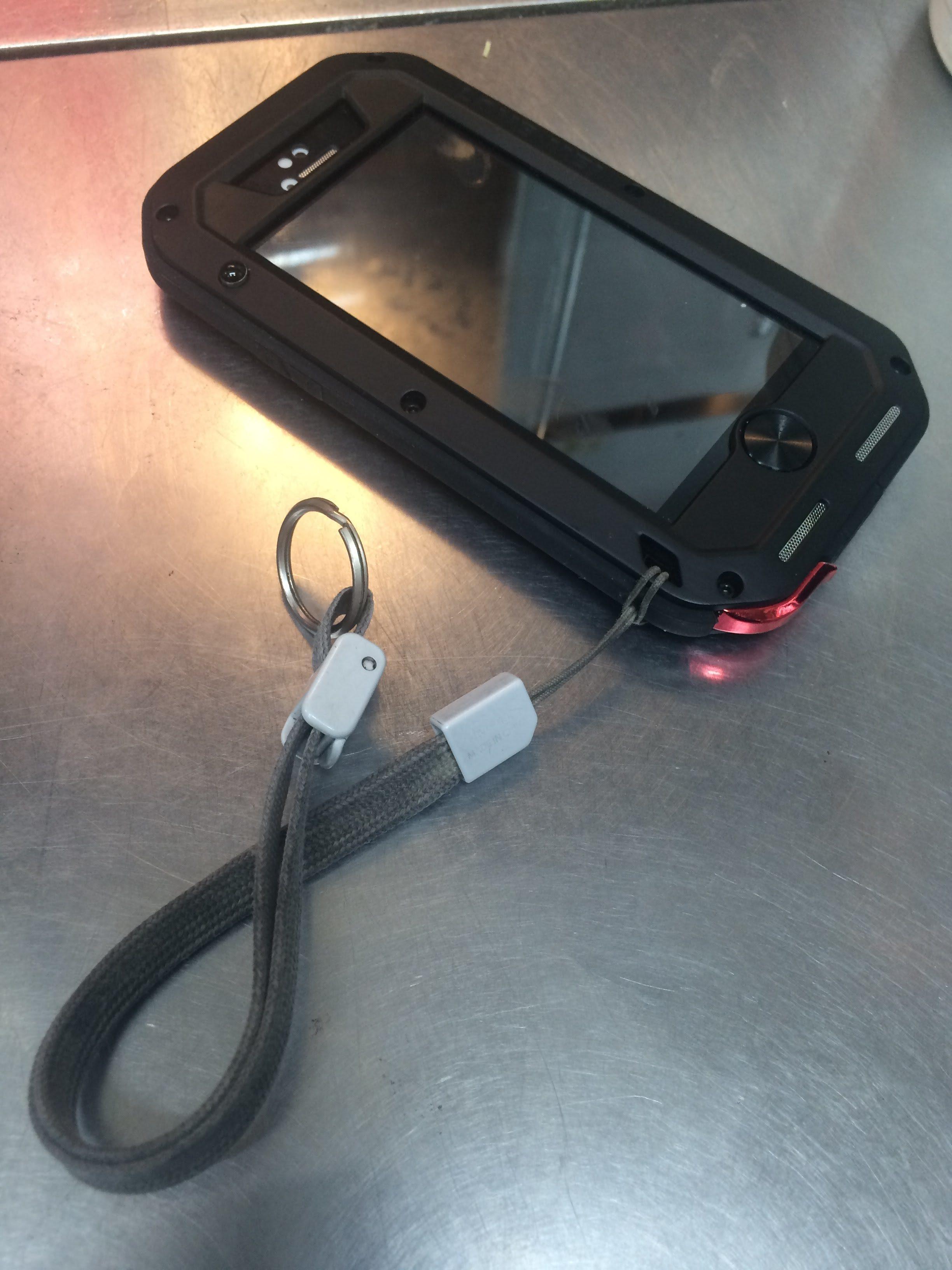 Amazonで買ったLOVE MEIの iPhone 5Sケースが意外にイケるパチモンだった件